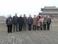 Члены делегации иностранных дипломатов вместе с представителями провинций
