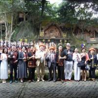 Фото на память с участниками праздничного концерта