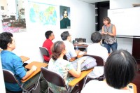 某一教室内的俄语课堂Урок русского языка в одной из аудиторий