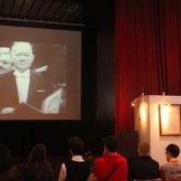 在诺贝尔文学奖颁奖典礼上的肖洛霍夫(照片资料)Кадры с церемонии награждения М.А. Шолохова Нобелевской премией в области литературы