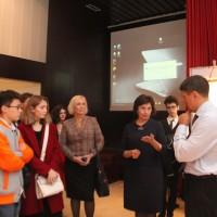 肖洛霍夫博物馆-保护区代表回答参观者的提问Сотрудники музея-заповедника отвечают на вопросы зрителей