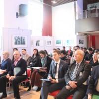 俄罗斯文化中心礼堂内的参会人士Участники мероприятия в зале представительства Россотрудничества