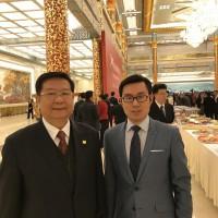 刘利民与俄罗斯文化中心工作人员Лю Лимин с сотрудником РКЦ