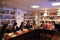中国中学代表 Представители китайских школ