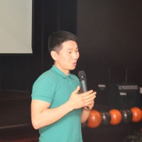 Выступают студенты пекинских вузов