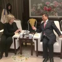 Во время встречи М.А.Боровской и Лю Лиминя
