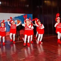 «Танец с кроликом» - выступление самых маленьких участников