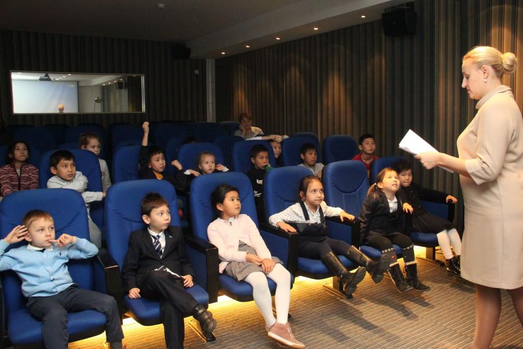 Маленькие слушатели отвечают на вопросы рассказчика
