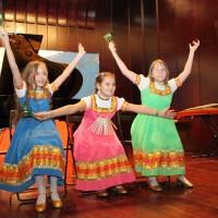 Выступление детского музыкального коллектива ложкарей «Золотой петушок» с номером «Барыня-сударыня»