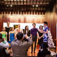 Традиционное награждение участников концерта почетными грамотами и сувенирами от Российского культурного центра в Пекине