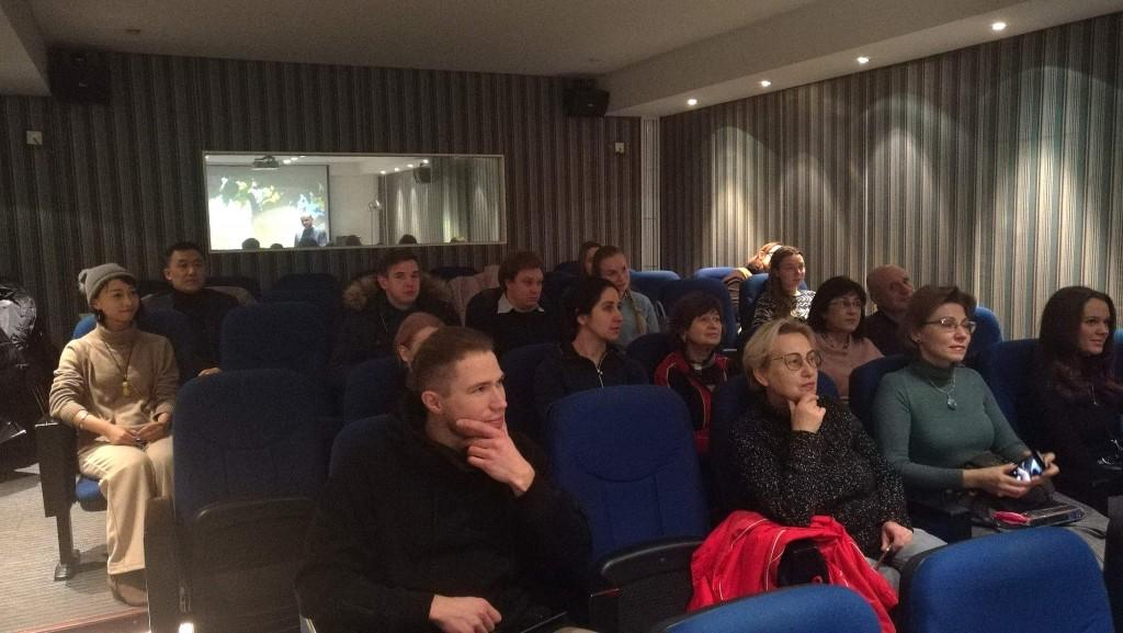 中心放映厅内的观众 Зрители в кинозале РКЦ