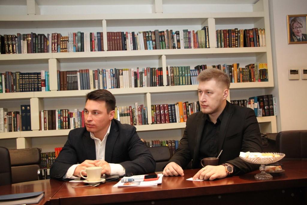 与莫斯科航空学院代表团的会面于北京俄罗斯文化中心进行 Представители НИУ МАИ