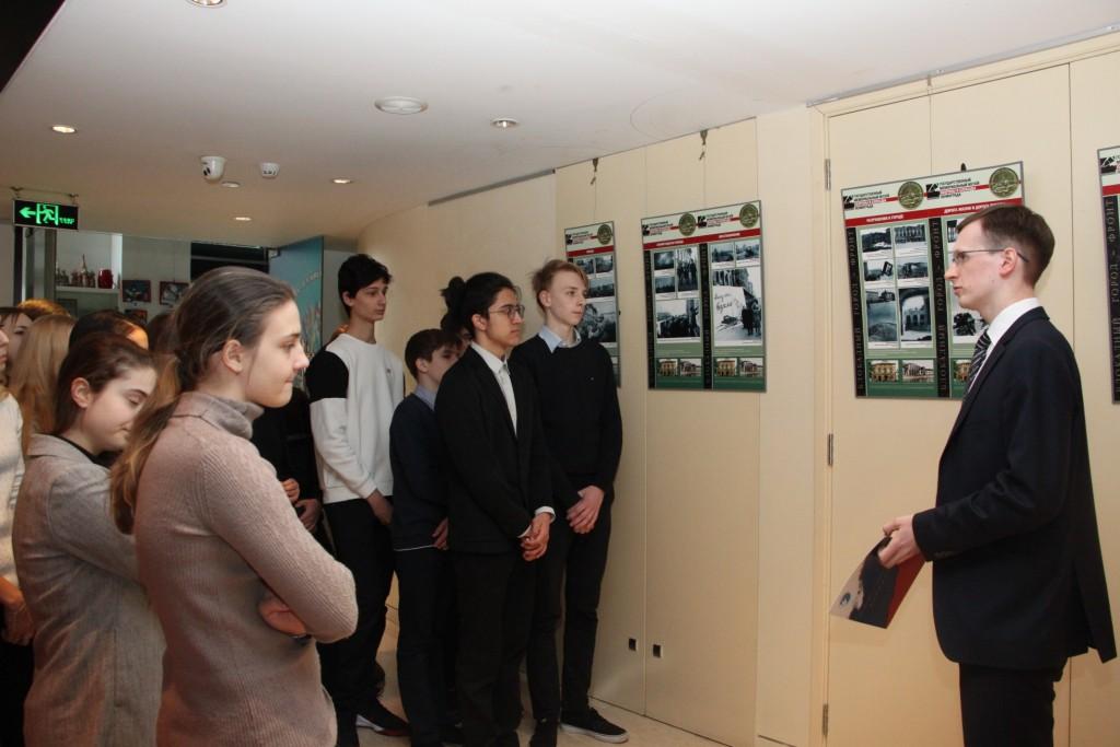 Продолжение экскурсии по выставке «Блокадный город-фронт»