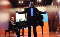 Солист Большого театра Юрий Нечаев исполняет арию Бориса из оперы «Борис Годунов», за роялем Игорь Демченков