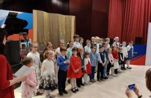 Чтение пасхальных стихов юными исполнителями