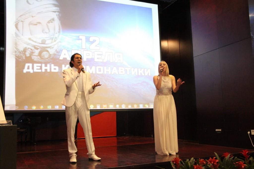 叶卡捷琳娜•福缅科和哈捷伊布•伊萨演唱《天空》 Екатерина Фоменко и Ходейб Исса песней «Небо»