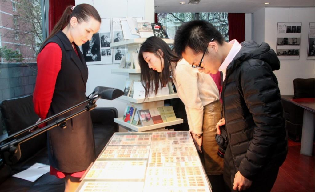 中国集邮家朱晨晨的专题邮票展 Тематическая выставка марок китайского филателиста Чжу Чэньчэня