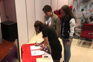 在华俄罗斯留学生会章程签署 Подписание Устава АРС в Китае