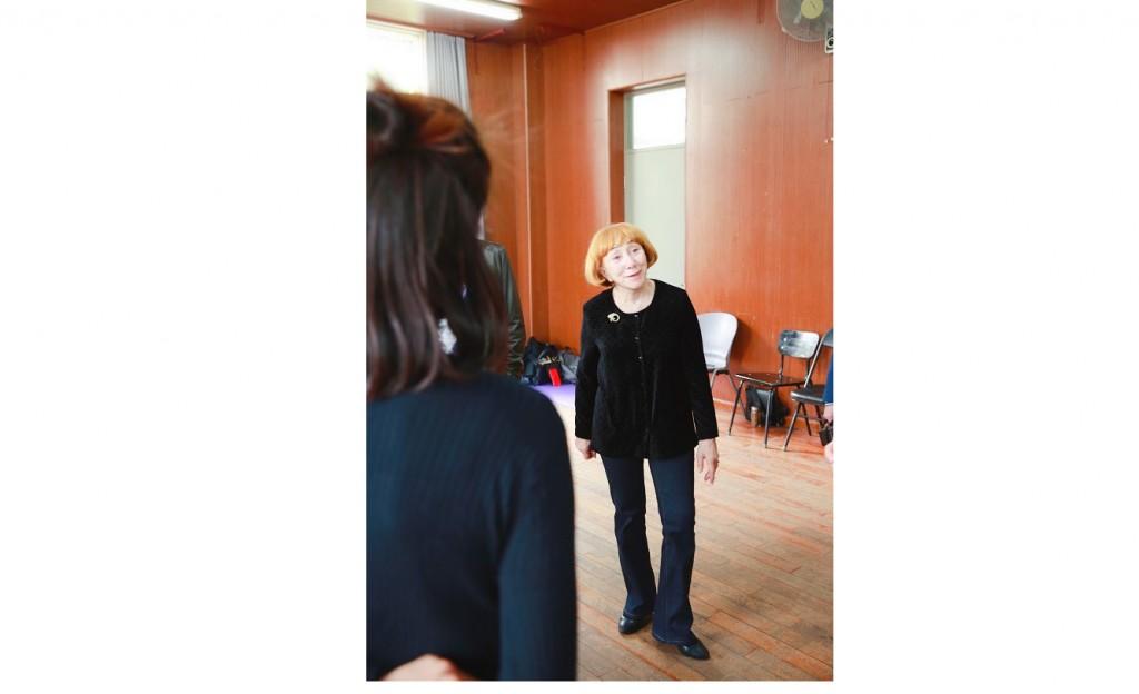 玛耶娃看戏剧表演 Н.Маева на просмотре пьесы
