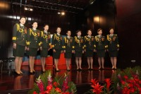 由军星爱乐合唱团表演的歌曲《山楂树》 Женский хор «Военная звезда» выступает с песней «Рябинушка»