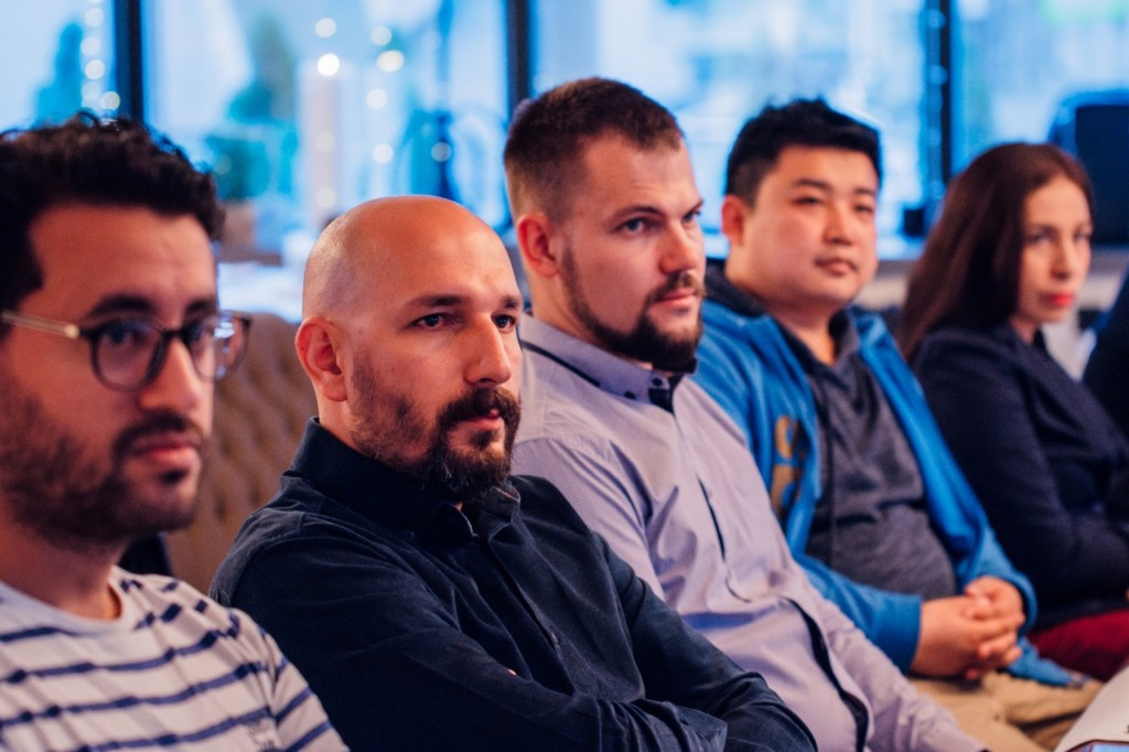 在SputnikPro会议活动上  На мероприятиях сессии SputnikPro