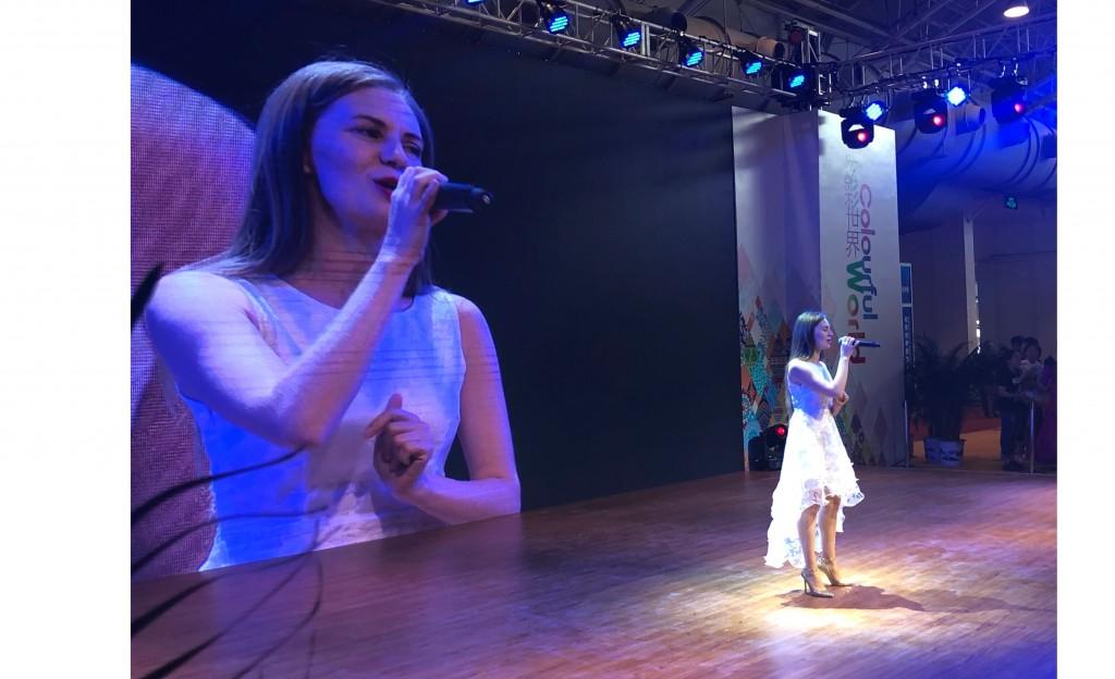 塔季扬娜.洛马耶娃演唱的《莫斯科郊外的晚上》 «Подмосковные вечера» в исполнении Татьяны Ломаевой