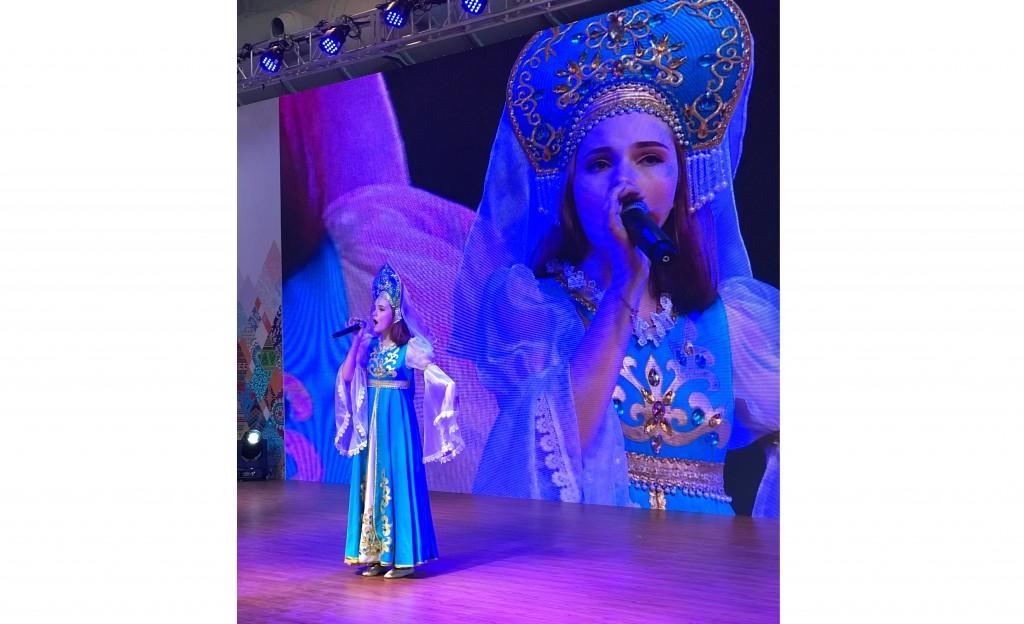 耶娃. 列捷涅娃演唱歌曲《保护地球》Ева Леденева исполняет песню «Сохрани земля»