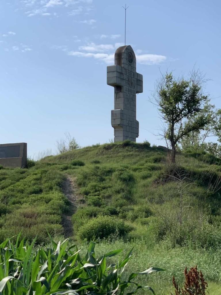 Захоронение российских воинов на Путиловской сопке. 普蒂洛夫山丘上的沙俄将士合葬墓