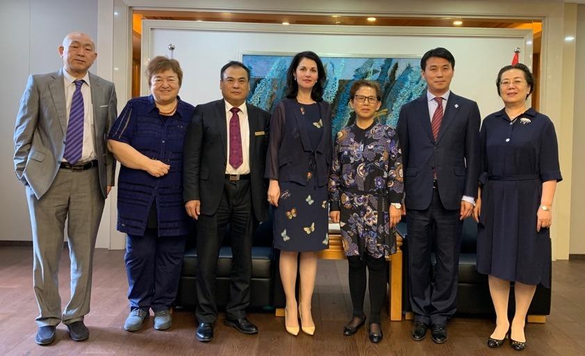 Встреча в Хэйлунцзянском институте иностранных языков. 在黑龙江俄语学院的会面