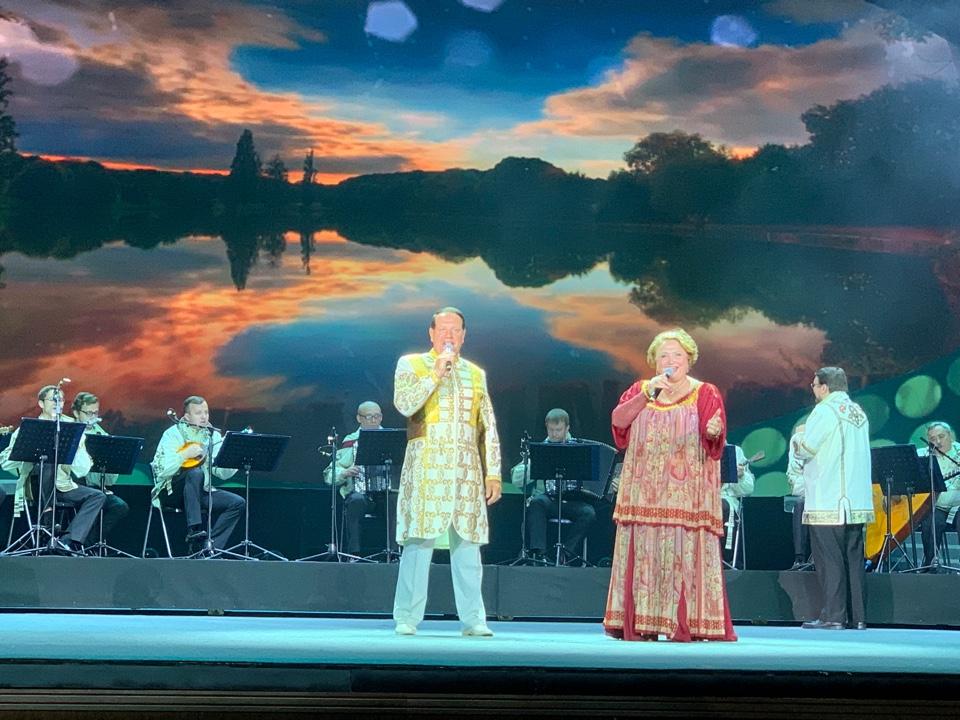 Гала-концерт, посвященный открытию ЭКСПО. 博览会开幕式文艺演出