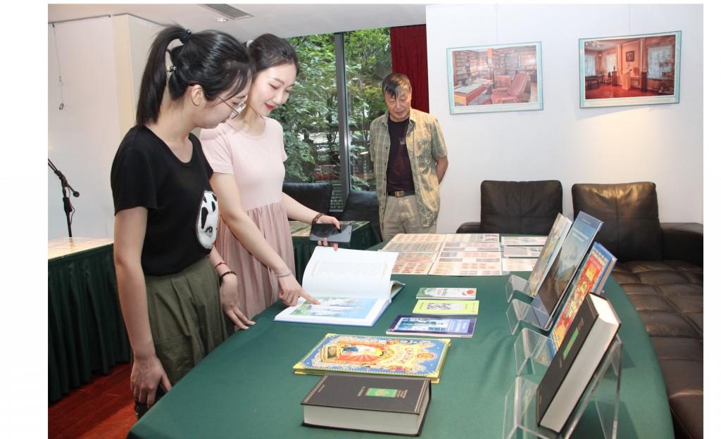 Тематическая книжная выставка и выставка марок