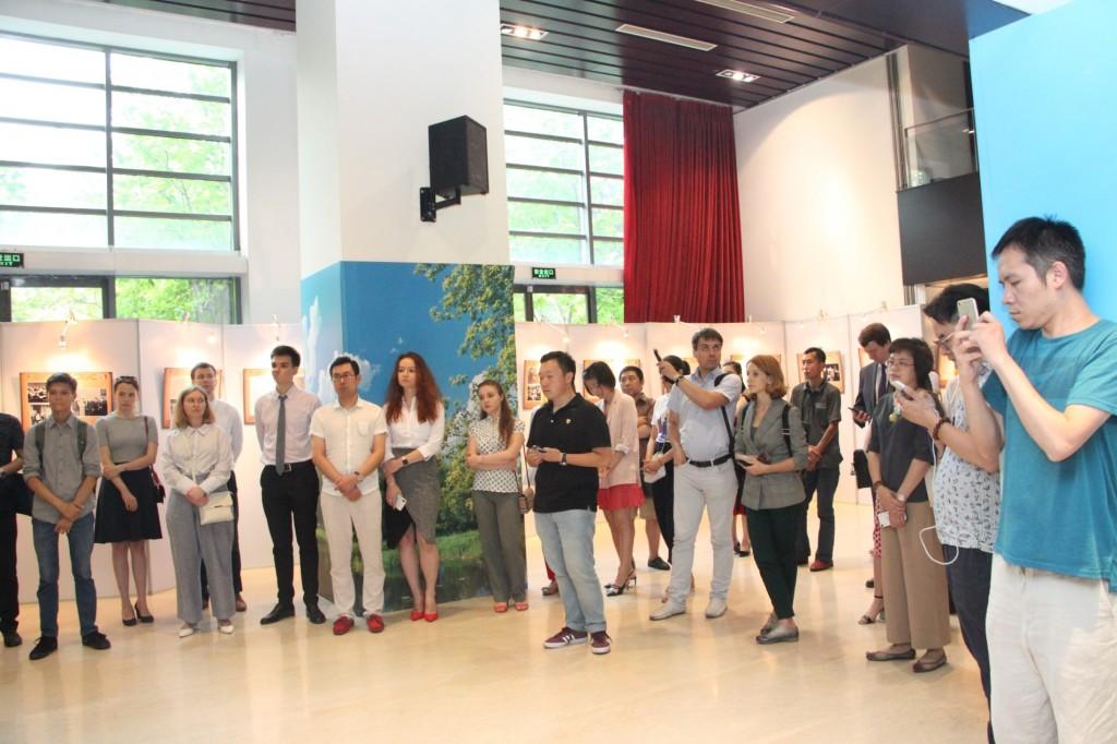 开幕式 Открытие выставки