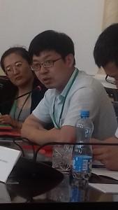 Слева- Чжан Вэй( Чанчуньский Институт науки и технологий), Е Цисун, замдиректора Института русского языка Хэйлунцзянского университета.