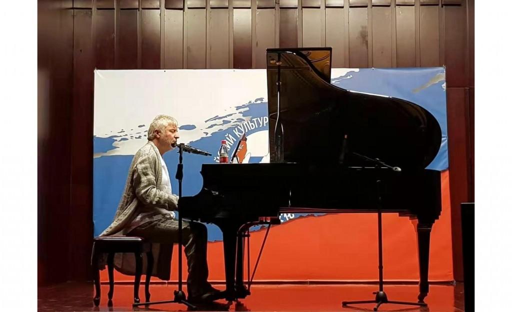 За роялем Сосо Павлиашвили
