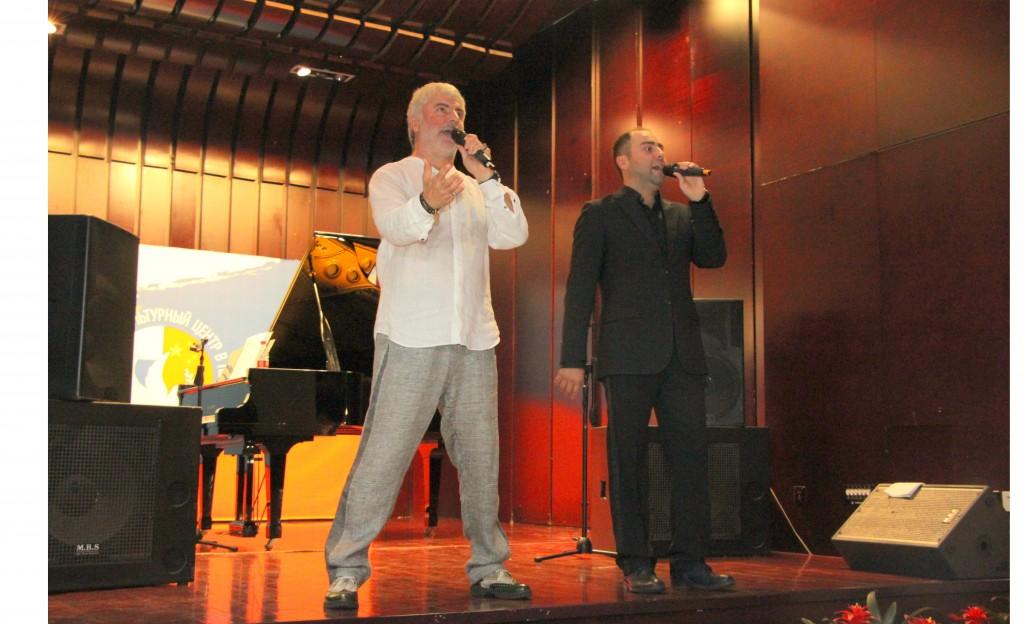 Сосо и Леван Павлиашвили исполняют композицию «Помолимся за родителей»
