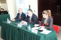 Презентацию открывает Александр Радьков | 亚力山大.拉季科夫宣布活动开幕