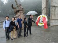 Возложение цветов к Монументу советским летчикам