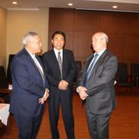 Виктор Коннов беседует с Послом Индонезии в Китае и организатором Форума